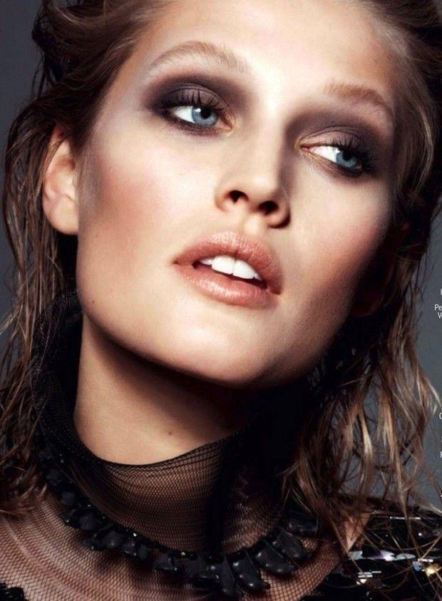 Luxe metallic make up
