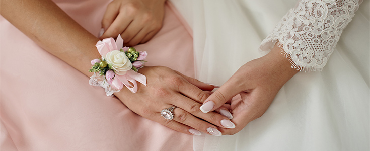 bride and bridesmaid hands