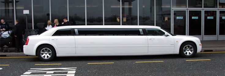 effortless airport transfers with limo scene feature image